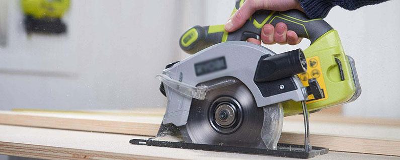 circular saw cutting plywood